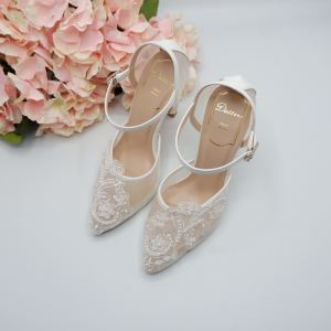 Customised and uniquely created for our bridal  Ms Evelyn Soh.