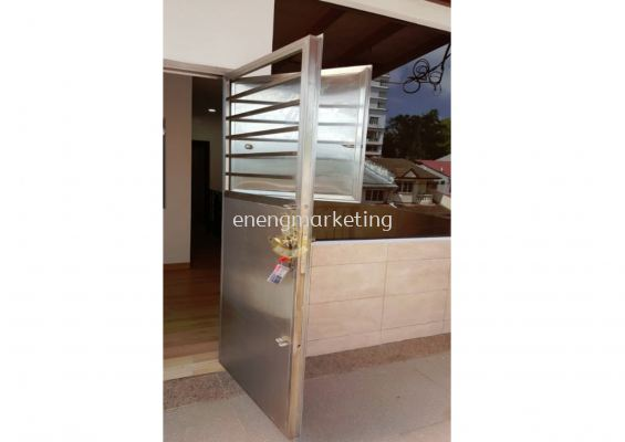 SD 05- Stainless Steel Safety Door