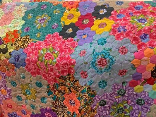 Sold Out - 203 x 185 cm �ֹ��Q��˫�˰ټұ� Handmade Batik Patchwork Blanket - Double Bed Blanket