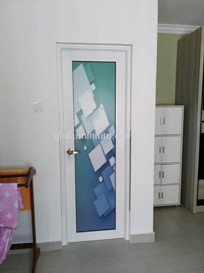 toilet swing door p/c ( White) @jalan sausana 2/3,taman Tun Hussein onn, Cheras