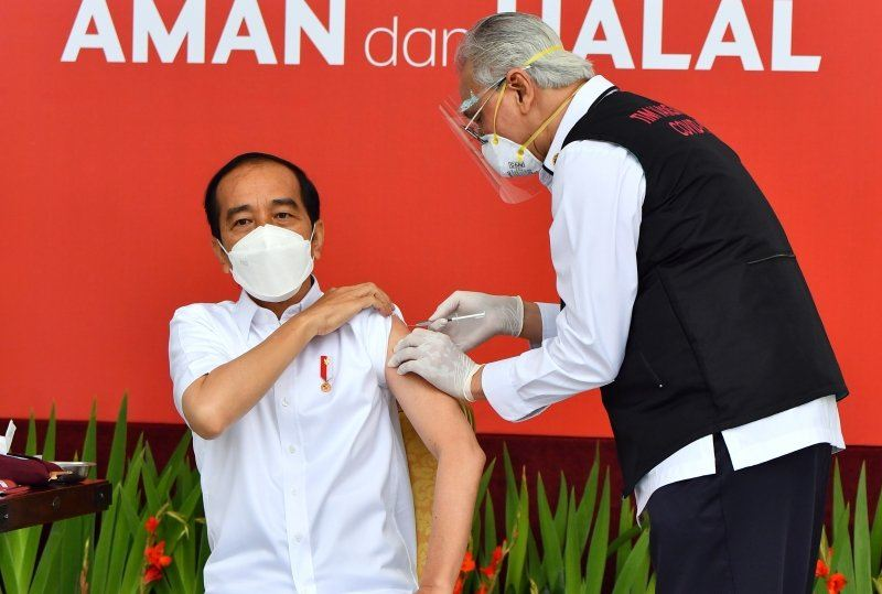 Jokowi gets first COVID-19 vaccine jab in Indonesia