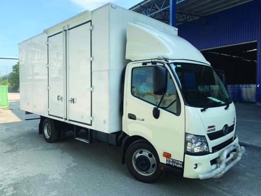 Box Van 04