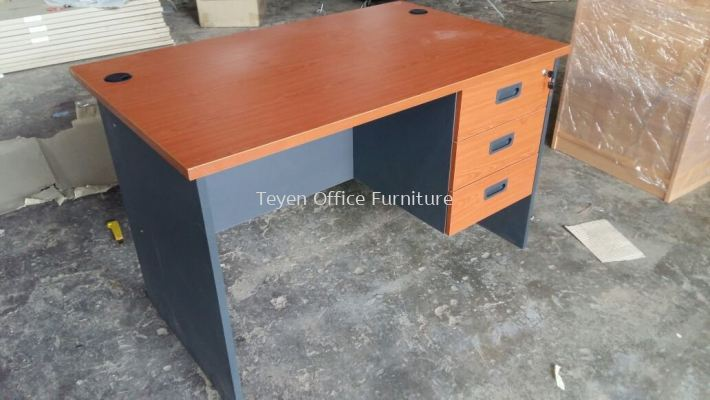 Writing Table/office Table with 3d fixed pedestal GT 127/GH 3