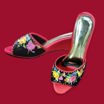 BS002�ֹ�����¶ֺ����Ь Open Toe Nyonya Beaded Shoes ��Floral Motif) - Beige