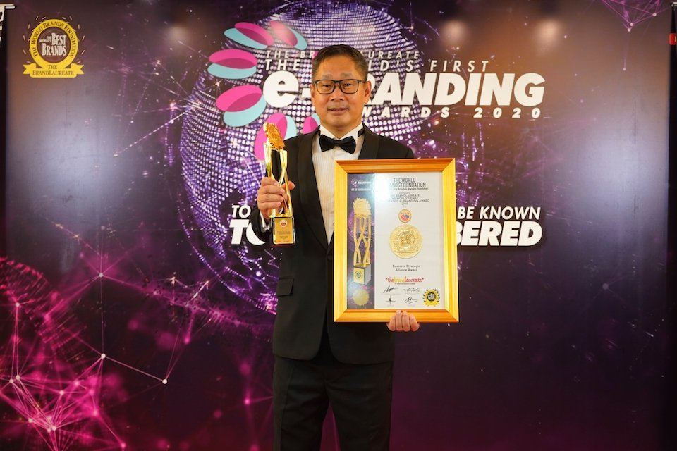 PUCM wins the coveted business strategic alliance award from the world's brand foundation 本会活动 PUCM Activities