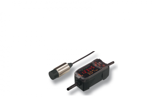OMRON ZX-E High-accuracy Detection of Metal Workpiece Displacement