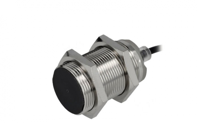 OMRON E2B Perfect fit for standard environments