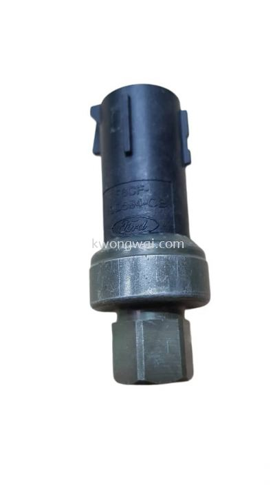 FORD RANGER T6 2012 A/C PRESSURE SWITCH 3PIN 19D594-CB