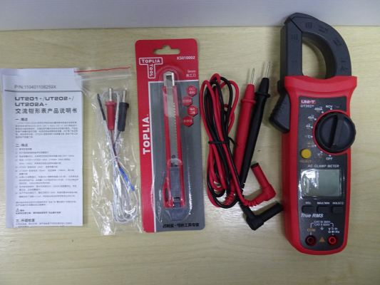 UNI-T UT202+ HIGH PRECISION MULTIMETER AC DC CURRENT DIGITAL CLAMP-ON METER WITH TEMP. CHECK