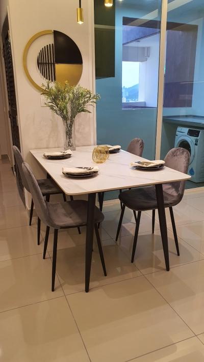 dinning room ceramic table