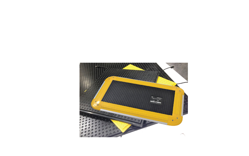 OMRON UMA Series Easy-to-install safety mat with advanced features