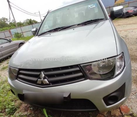 MITSUBISHI TRITON STEERING WHEEL REPLACE SYNTHETIC LEATHER
