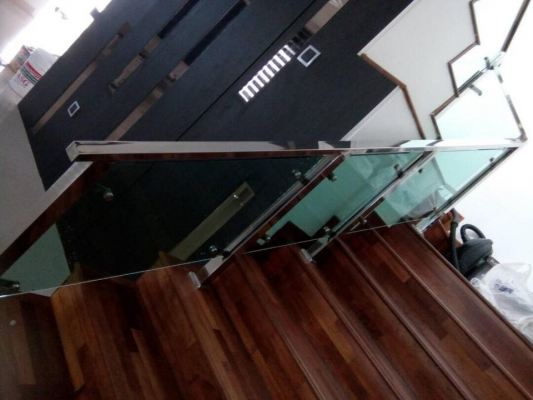Sample Staircase Railing With Tempered glass Design In Selangor