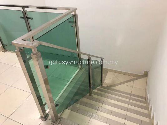 To Fabrication Staircase Stainless Steel with Tempered Glass