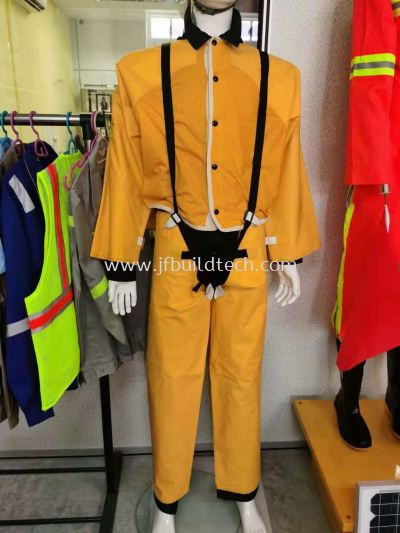 INSULATING CLOTHING HIGH VOLTAGE