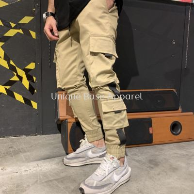 MEN CARGO JOGGER WITH TAP DOUBLE SIDE POCKET IN KHAKIS