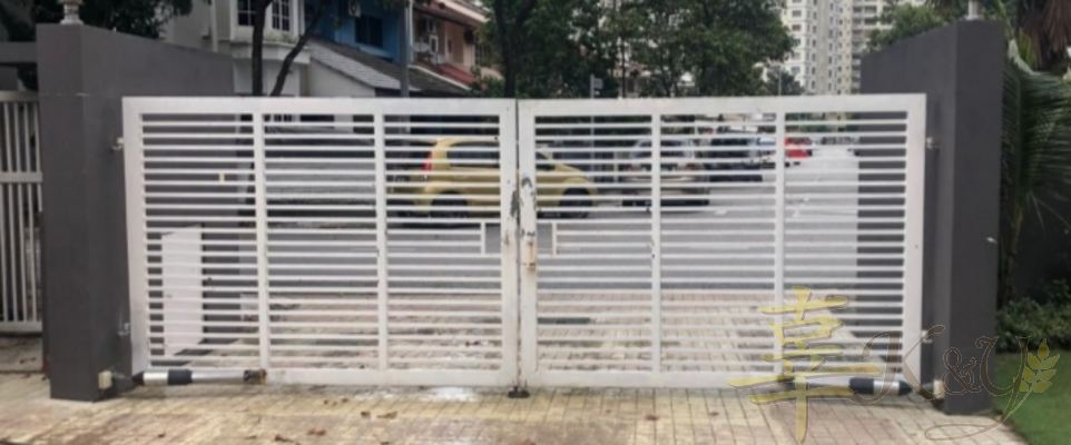 Mild Steel 6/8x6/8 Hollow Swing Main Gate(2nd Hand) - 15.5feet x 69 inchi, Price Rm1500 with new painting/ installation (modify add Rm300)
