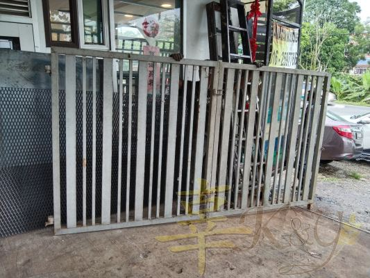 Mild Steel 6/8x6/8 mix 1x2 Hollow Swing Main Gate(2nd Hand) - 10 feet x 5feet , Price Rm1300 with new painting/ installation (modify add Rm300)