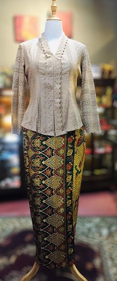 KBY048 Cotton Lace Kebaya