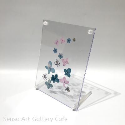 Pressed Flower Acrylic Stand