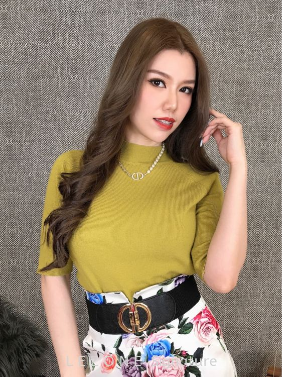 67711 High-Neck Knit Top【Value Buy】