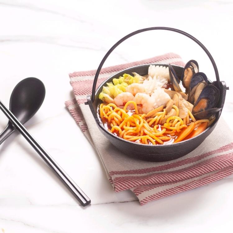 TOMYAM SEAFOOD SOUP (MEE) 海鲜东炎汤 (面)