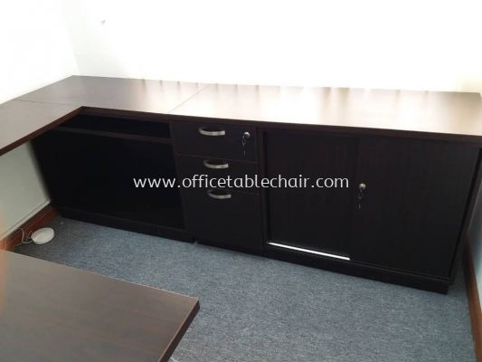 DELIVERY & INSTALLATION QT 188 EXECUTIVE TABLE C/W LOW CABINET Q-YSP 7124 OFFICE FURNITURE MENARA SHELL, KUALA LUMPUR