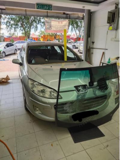 windscreen PEUGEOT2