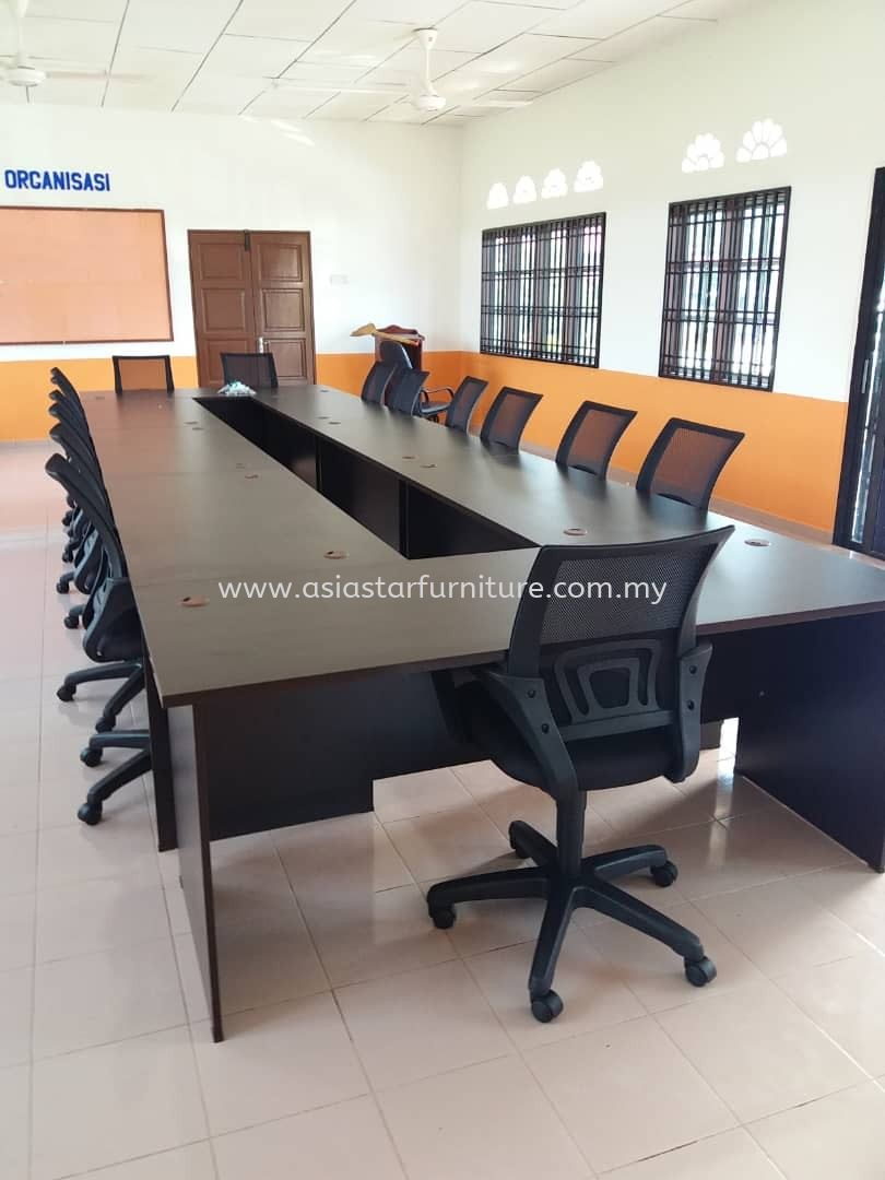 DELIVERY & INSTALLATION MEETING TABLE EXT 157 & UNI LOW BACK CHAIR OFFICE FURNITURE SUBANG SQUARE BU