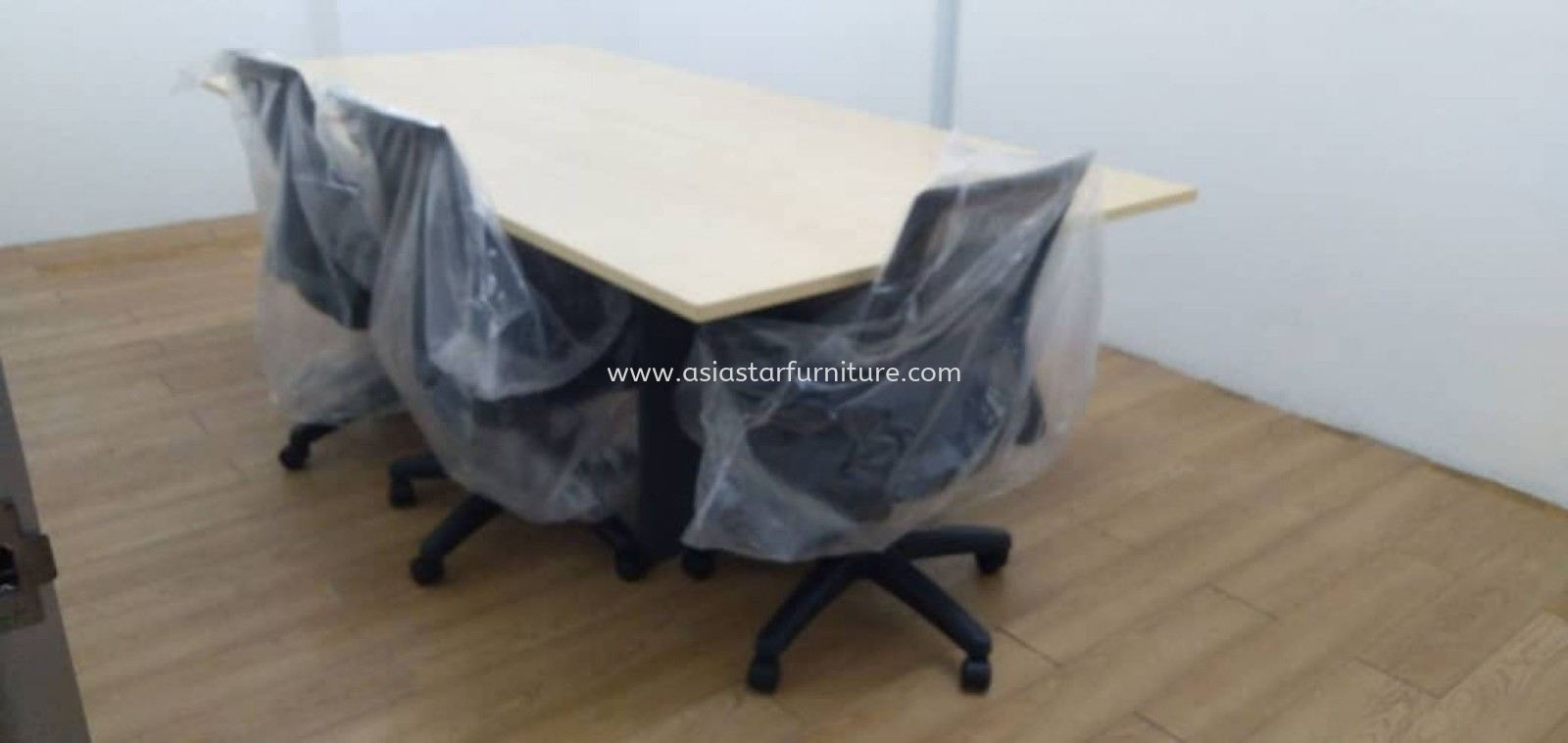DELIVERY & INSTALLATION RECTANGULAR OFFICE MEETING TABLE TOE 18 & EDEX LOW MESH CHAIRS OFFICE FURNITURE SUNWAY PJ 51A, PETALING JAYA