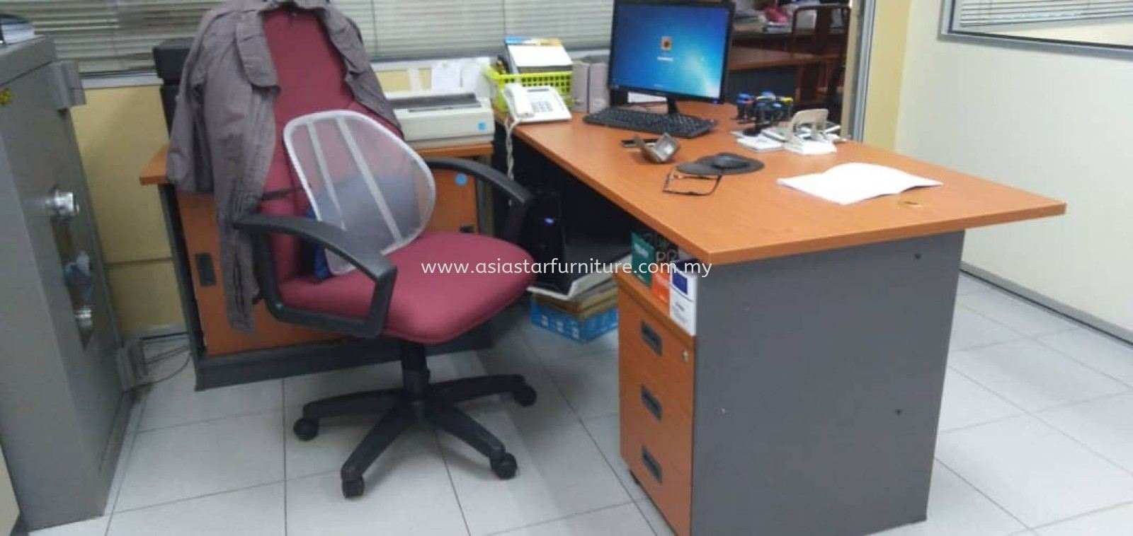DELIVERY & INSTALLATION WRITING OFFICE TABLE WOODEN BASE GT157 WITH SIDE CABINET GS 303 & MOBILE PEDESTAL 3D GM 3 OFFICE FURNITURE BUKIT JALIL, KUALA LUMPUR