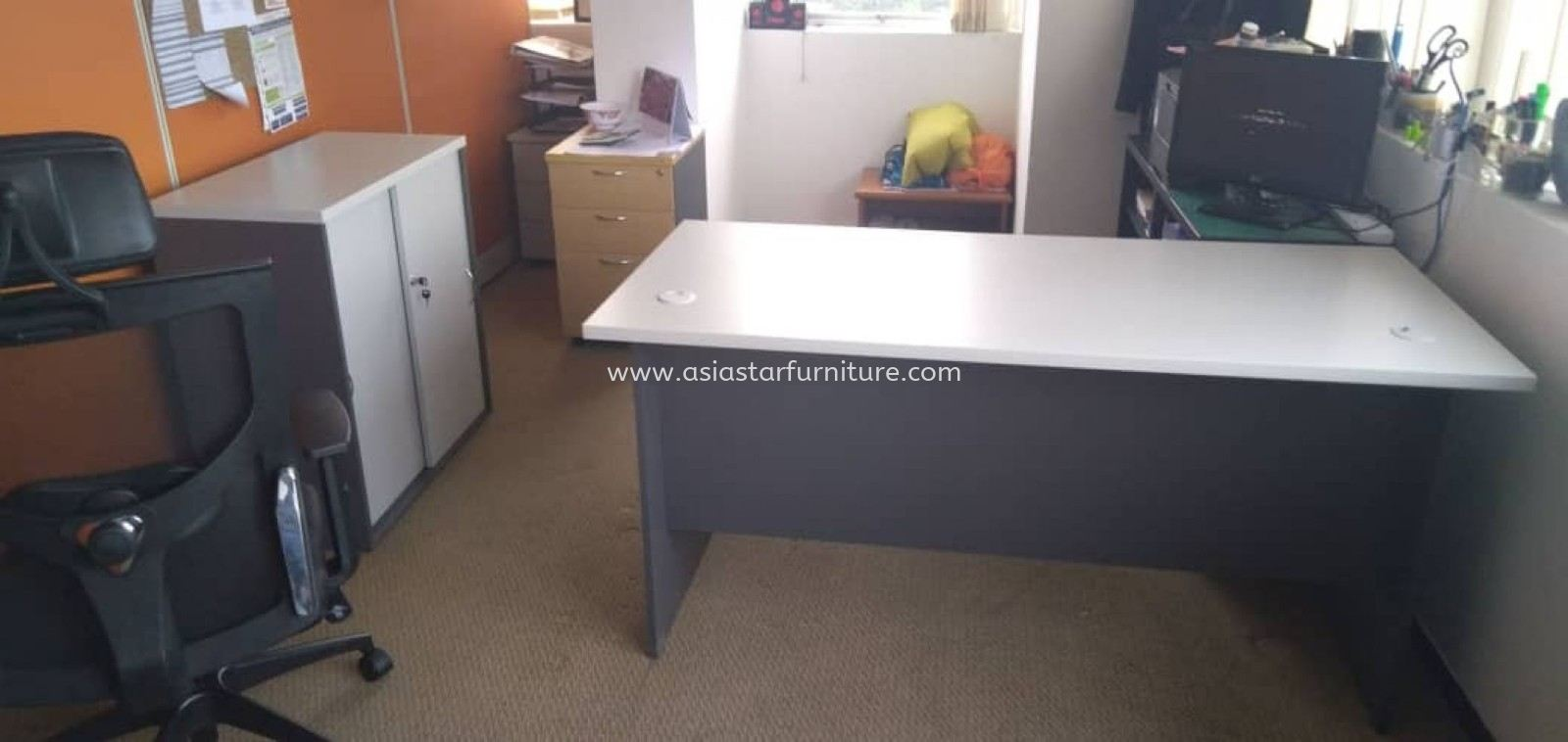 DELIVERY & INSTALLATION GT 157 WRITING OFFICE TABLE l GS 880 LOW OFFICE CABINET l OFFICE FURNITURE l SETIAWANGSA l KL