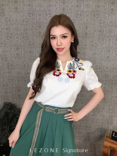 80921 Embroiderd Sleeved Top