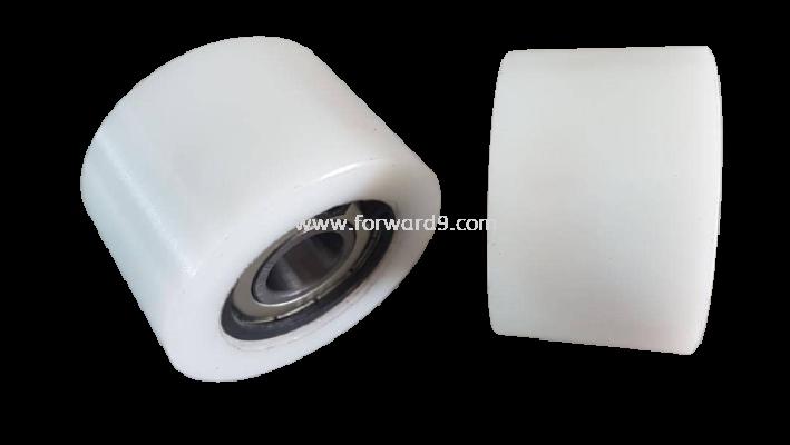 Tapered Nylon Roller c/w Bearing 6202 & C-clip
