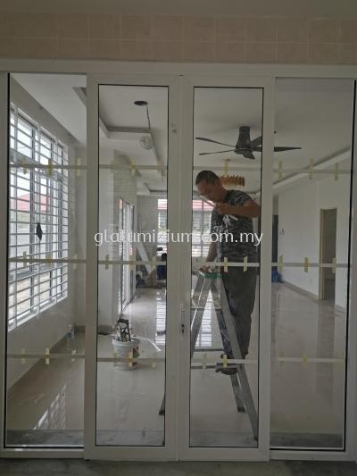 aluminium ( p/c white + clear glass) @Jalan Senaging 5/17B, Bandar Tasik Senaging, Mantin