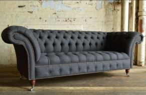 Exclusive Chesterfield Eagle Wing 3 seaters Sofa with Vintage Leg