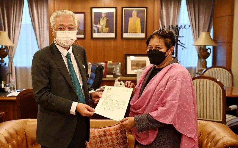 Azalina appointed law, human rights advisor to PM