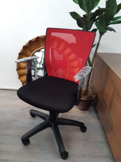 OFFICE CHAIR-RED MESH