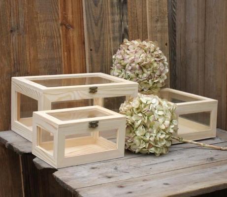Wooden box 5 side glass windows pine wood