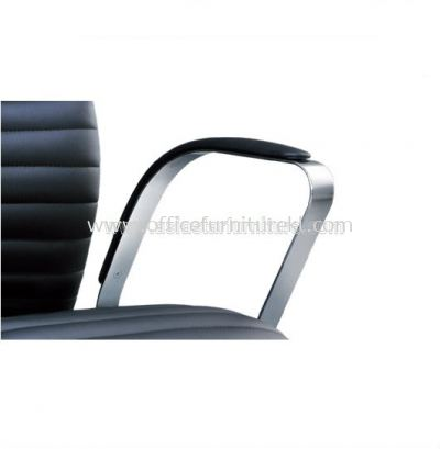 CONQUEROR SPECIFICATION - THE HANDSOMELY CURVED ARMREST WITH PADDLE ENSURING ARM SUPPORT COMFORT