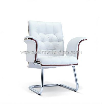 GRAND WOODEN VISITOR CHAIR ASE2184