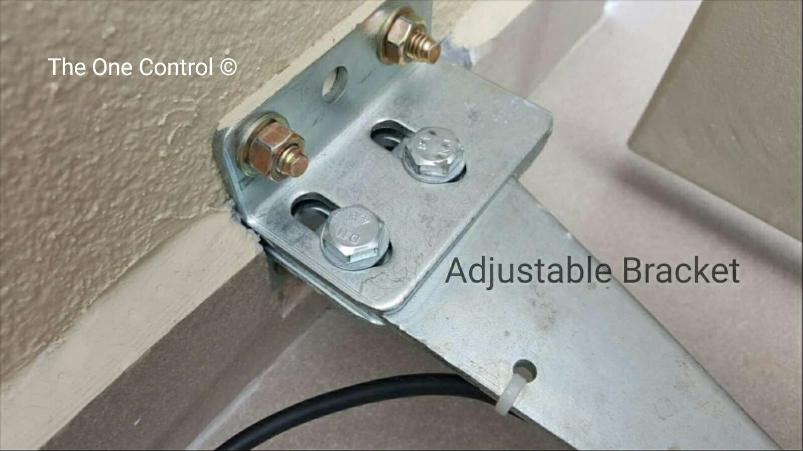 adjustable bracket