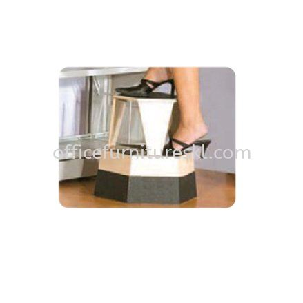 KICK STEP STOOL FRONT