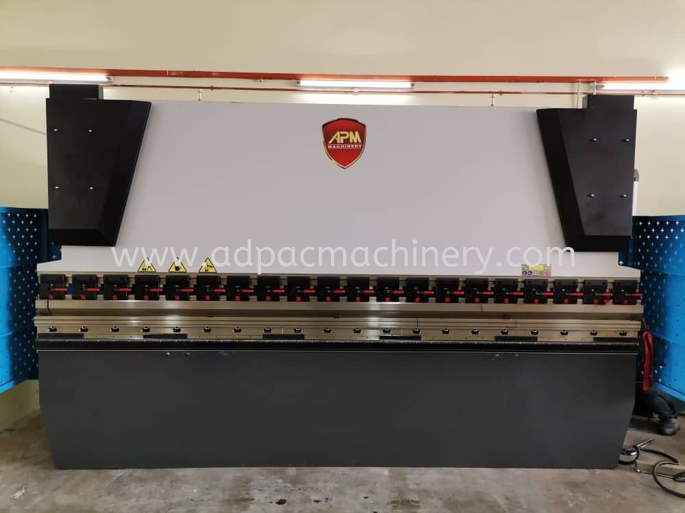 Delivery of APM Hydraulic Press Brake / Bending Machine