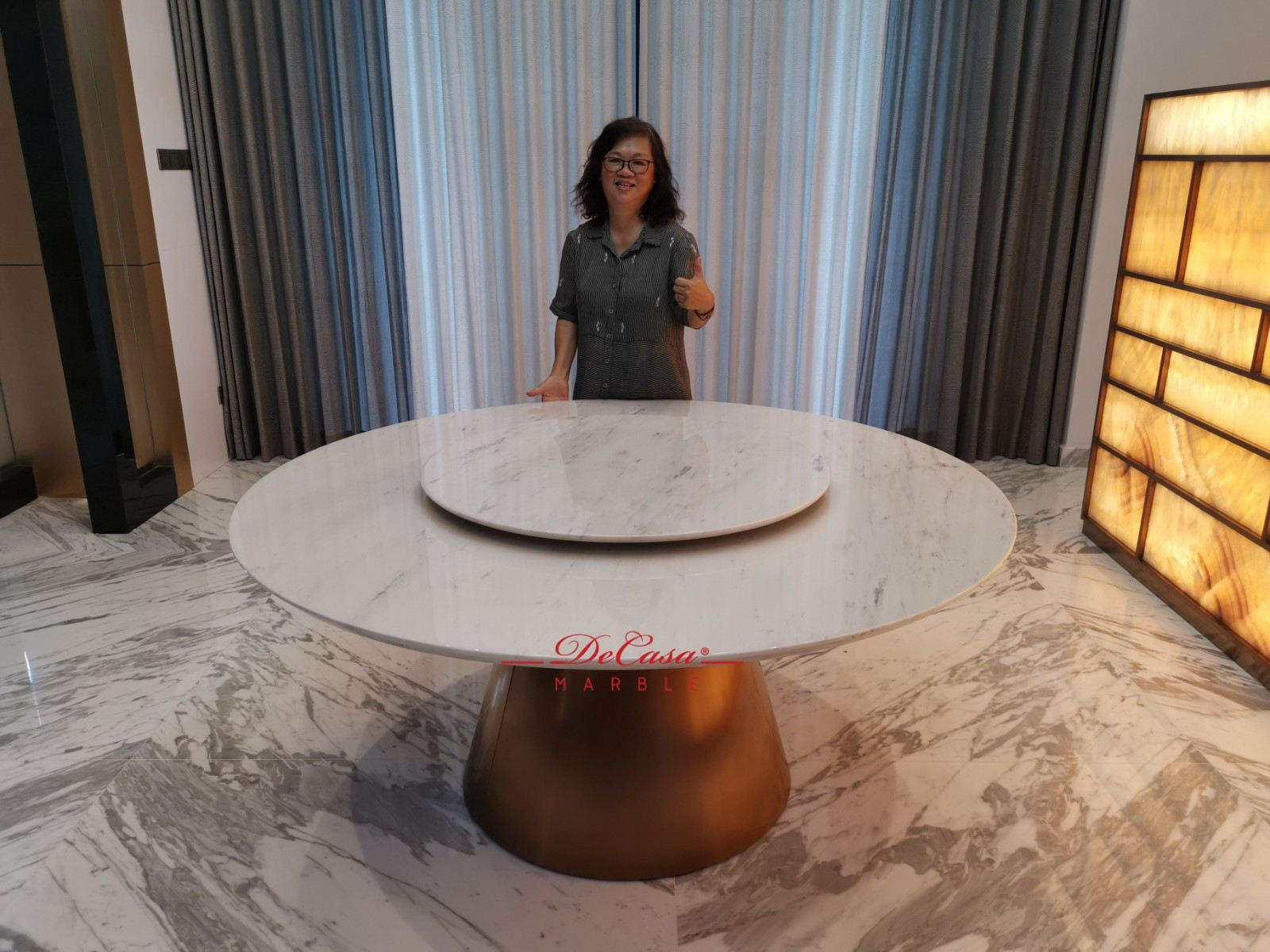 Majestic Marble Dining Table   Sivec White   8 seaters