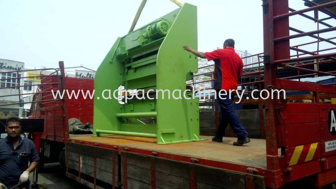 Moving Out Used Hydrabend Hydraulic Pressbrake