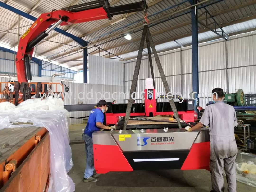 Delivery of Fiber Laser Cutting Machine