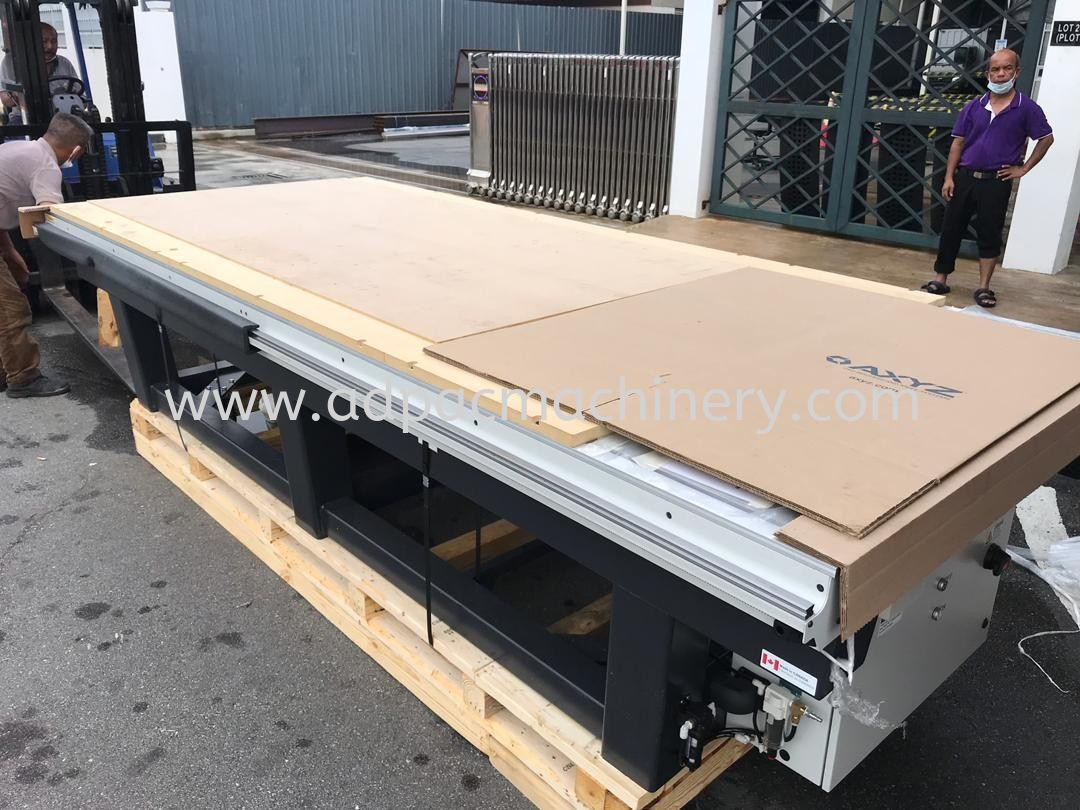 Delivery of New AXYZ CNC Router