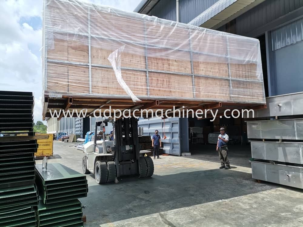 Delivery of New Fiber Laser Cutting Machine