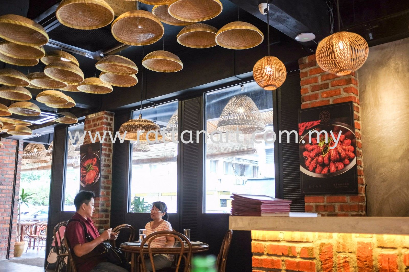 Rattan Art Supplies To Dragon Co. Hunan Restaurant